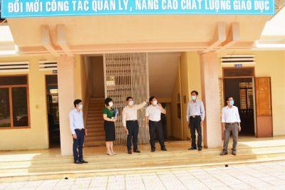 TP. Buôn Ma Thuột: Công tác phòng, chống dịch COVID-19 cho đợt thi vào lớp 6 tại Trường THCS Phan Chu Trinh đảm bảo an toàn là hàng đầu.
