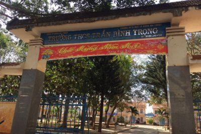 Hành động đẹp của các em học sinh trường THCS Trần Bình Trọng