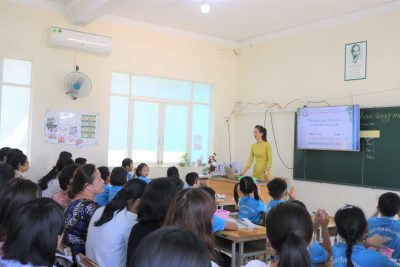 Sinh hoạt chuyên môn theo hướng nghiên cứu bài học tại cụm chuyên môn số 2