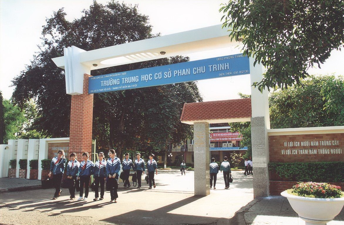 Quyết định công nhận 229 học sinh trúng tuyển vào lớp 6 (tiếng Anh) Trường THCS Phan Chu Trinh năm học 2020 -2021